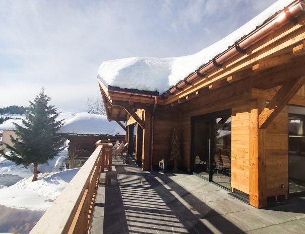 Grande terrasse du chalet Ladakh en location pour 12 personnes aux saisies