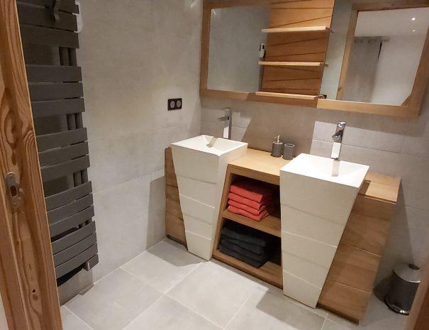 Salle de bain dortoir 4 personnes location station Les Saisies