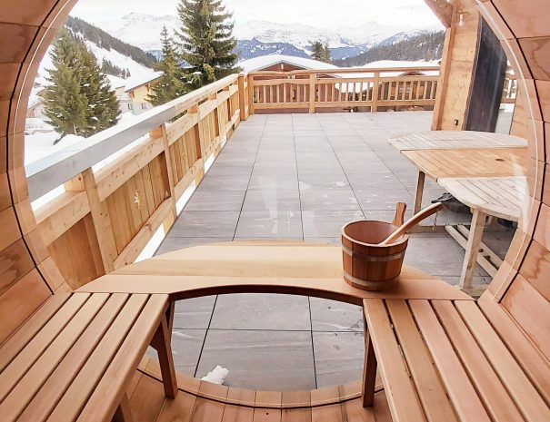 Sauna sur la terrasse avec vue panoramique aux Saisies
